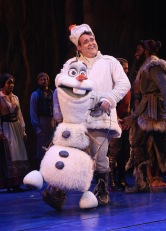 "NEW YORK, NY - MARCH 22: Greg Hildreth as ""Olaf"" takes his opening night curtain call for Disney's new hit musical ""Frozen"" on Broadway at The St. James Theatre on March 22, 2018 in New York City. (Photo by Bruce Glikas/Bruce Glikas/WireImage)"